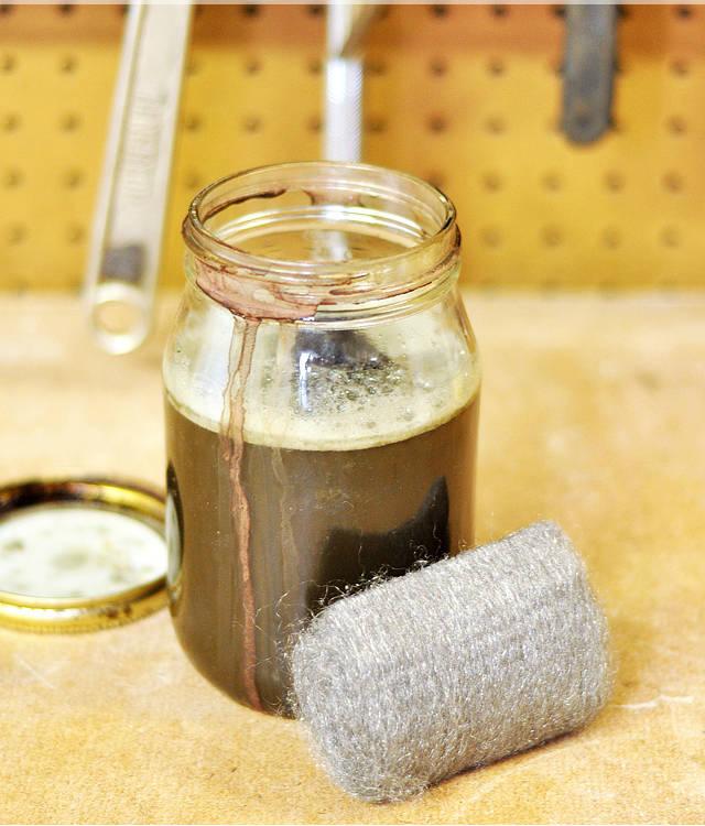 lasure pour bois faite maison guide astuces. Black Bedroom Furniture Sets. Home Design Ideas