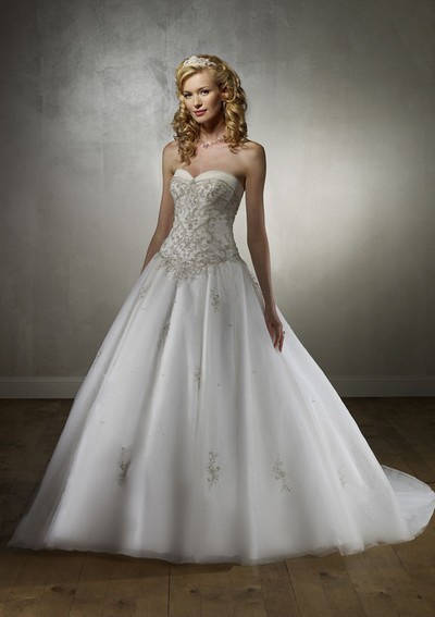 coiffure mariage robe bustier - Coiffeur Mariage Metz