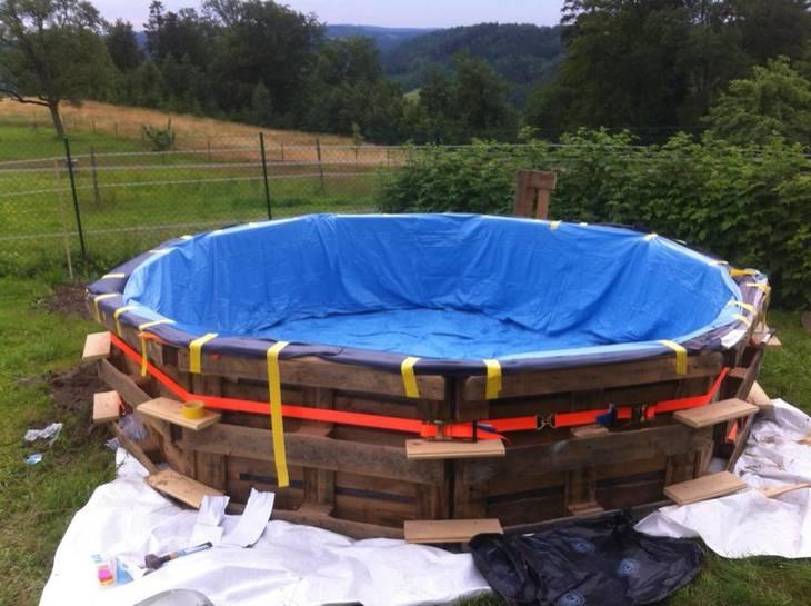fabriquer sa propre piscine avec des palettes guide astuces. Black Bedroom Furniture Sets. Home Design Ideas