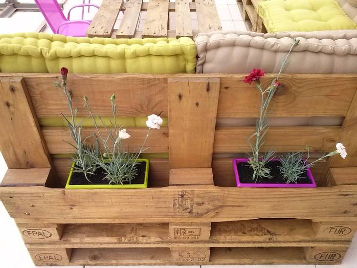 Salon de jardin en palettes guide astuces - Faire un salon de jardin en palette ...