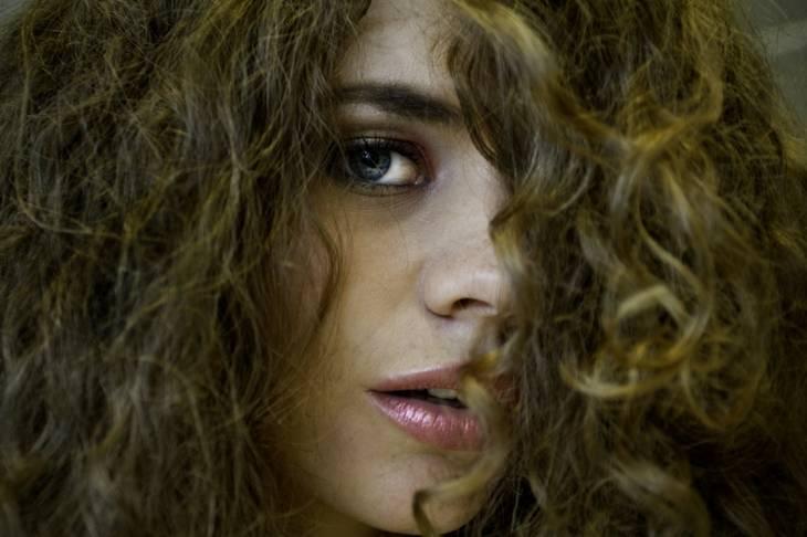 Quels moyens aideront pour la densité des cheveu