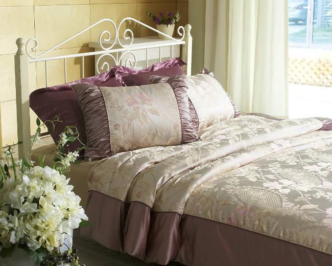 Que faire quand un lit grince guide astuces - Lit qui grince que faire ...