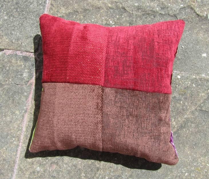 Housses coussin en patchwork guide astuces - Housse de coussin patchwork ...