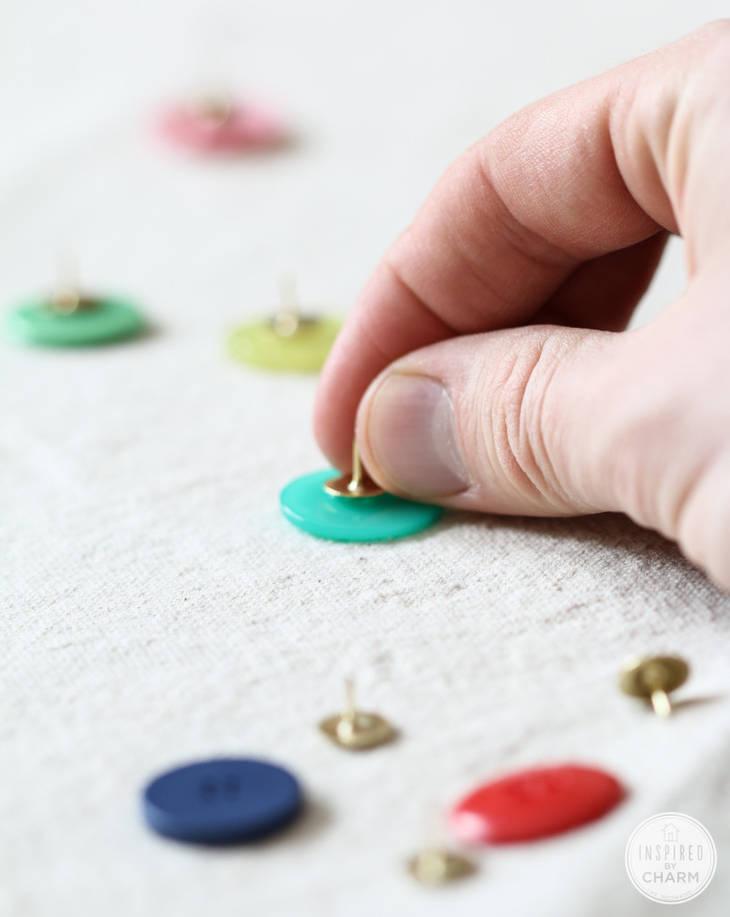 Punaises boutons guide astuces - Punaise pour accrocher ...