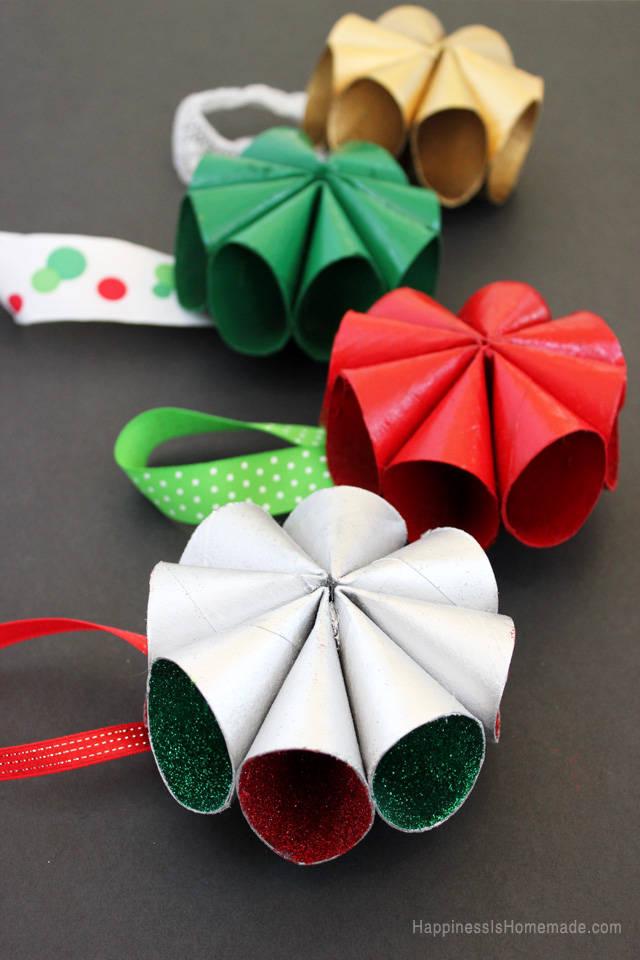 Mini couronnes de no l en rouleaux de papier toilette - Decoration de noel avec rouleau papier toilette ...