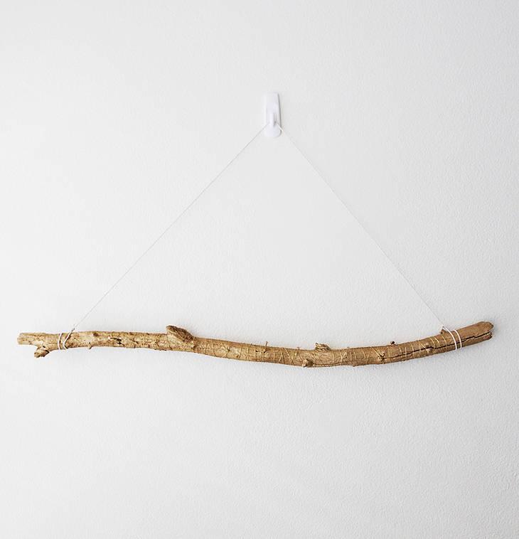 porte colliers mural avec une branche d 39 arbre guide astuces. Black Bedroom Furniture Sets. Home Design Ideas