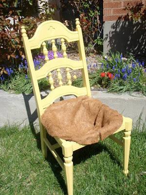 transformer une chaise en jardini re guide astuces. Black Bedroom Furniture Sets. Home Design Ideas