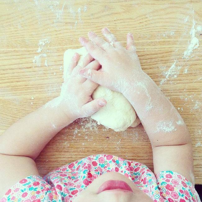 Conseils Pour Cuisiner Avec Ses Enfants Tout En S 39 Amusant