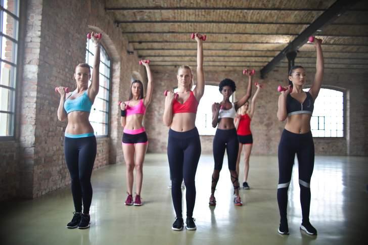 Exercices, aliments et astuces pour maigrir des bras ...