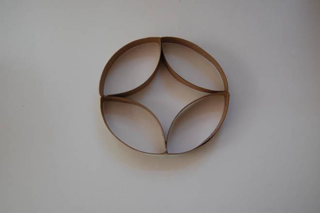 miroir avec des rouleaux de papier toilette guide astuces. Black Bedroom Furniture Sets. Home Design Ideas
