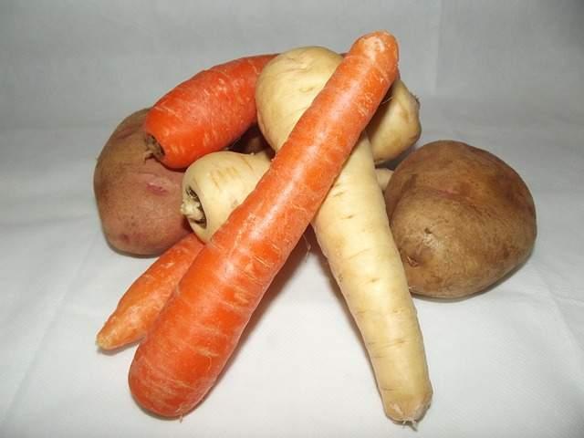 panais, carottes et pommes de terre