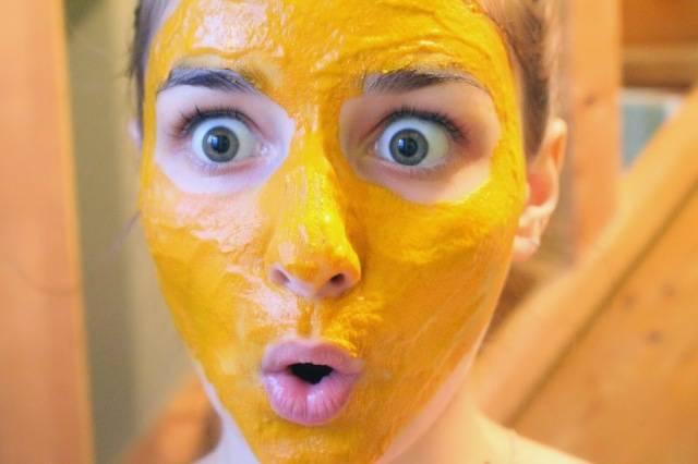 Masque visage au curcuma contre l 39 acn et les cernes - Masque pour visage maison ...