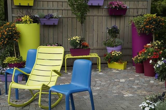 Nettoyer le mobilier de jardin en plastique - Le mobilier de jardin ...