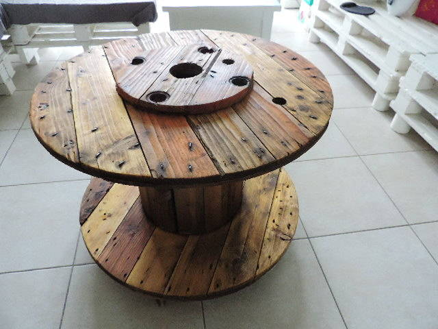 Table basse bar en touret guide astuces for Table de salle a manger avec un touret
