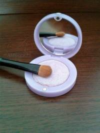Maquillage anti cernes naturel fait maison for Anticerne maison