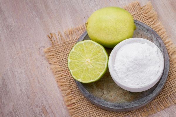 Citron et bicarbonate de soude