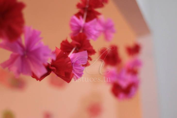 Guirlande de pompons en papier cr pon guide astuces - Guirlande fleurs papier ...