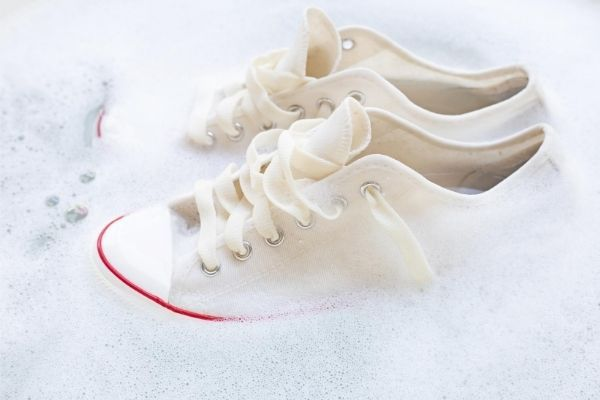 Nettoyer chaussures en toile