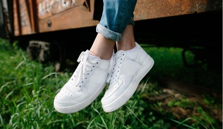 10 astuces pour nettoyer vos chaussures blanches