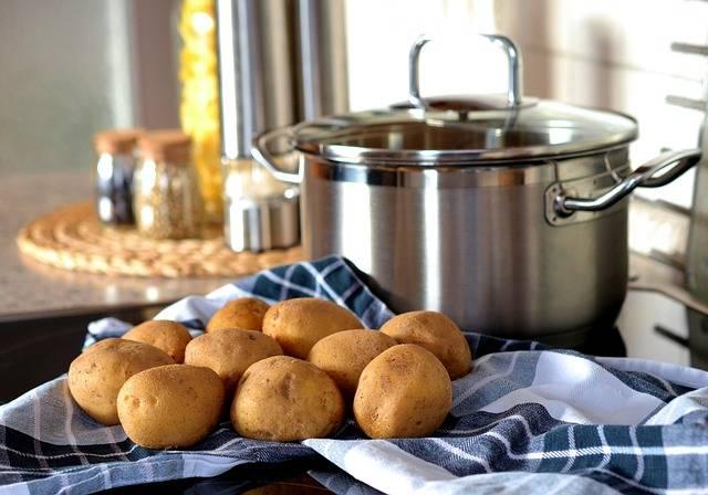 astuces pour bien conserver les pommes de terre guide. Black Bedroom Furniture Sets. Home Design Ideas