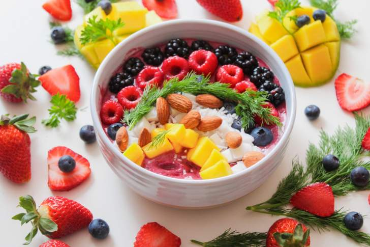 smoothie bowl de fruits santé alcalinisant