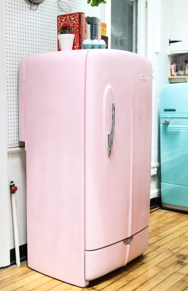 transformer un vieux r frig rateur en un frigo vintage. Black Bedroom Furniture Sets. Home Design Ideas