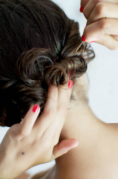 friser les cheveux sans fer friser guide astuces. Black Bedroom Furniture Sets. Home Design Ideas