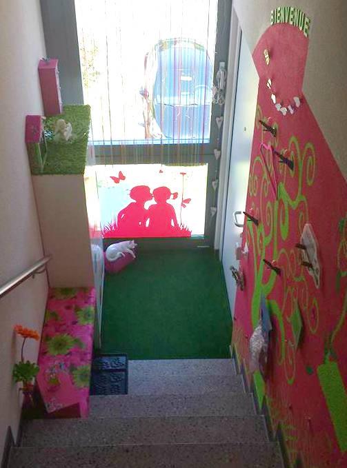 Aménagement et décoration d\'une entrée avec escalier - Guide Astuces