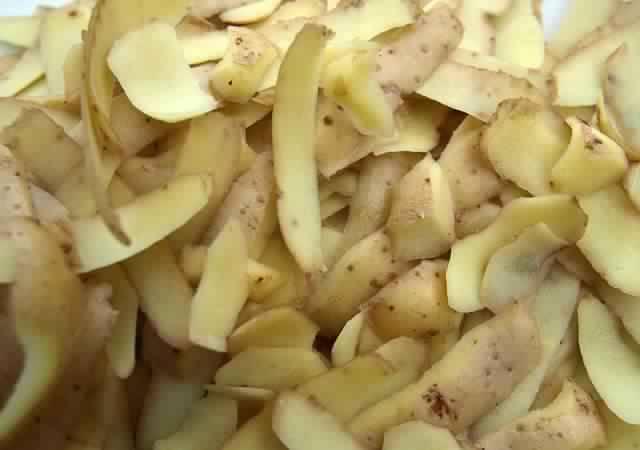 Diff rentes utilisations des pelures de pommes de terre - Comment cuisiner les pommes de terre de noirmoutier ...