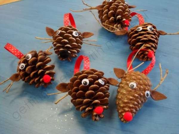 pomme de pin noel 14 Décorations DIY avec des pommes de pin pour rendre Noël encore  pomme de pin noel