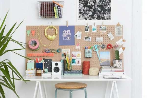 15 id es de rangements pour toute la maison faire avec des panneaux perfor s guide astuces. Black Bedroom Furniture Sets. Home Design Ideas
