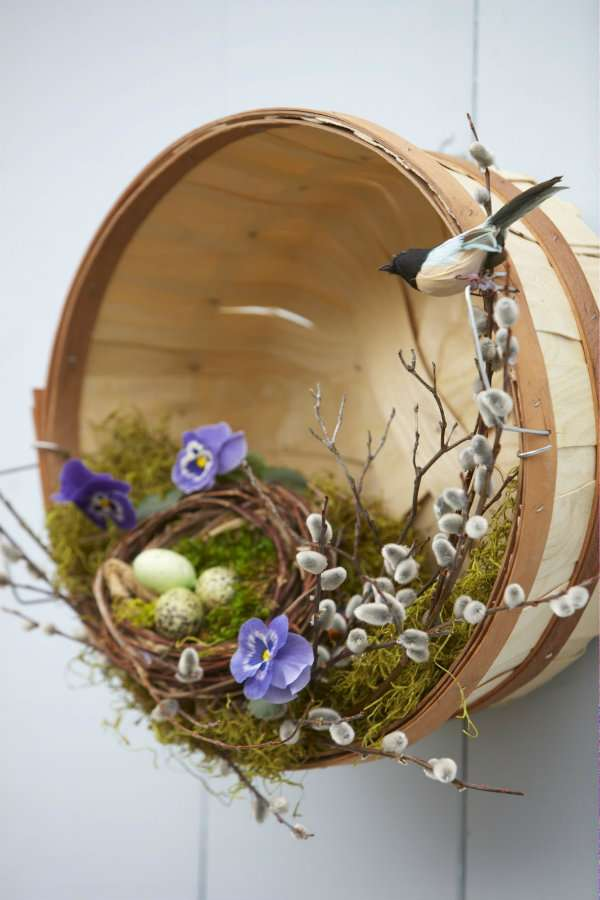 Nid géant de Pâques pour remplacer la couronne de Pâques traditionnelle