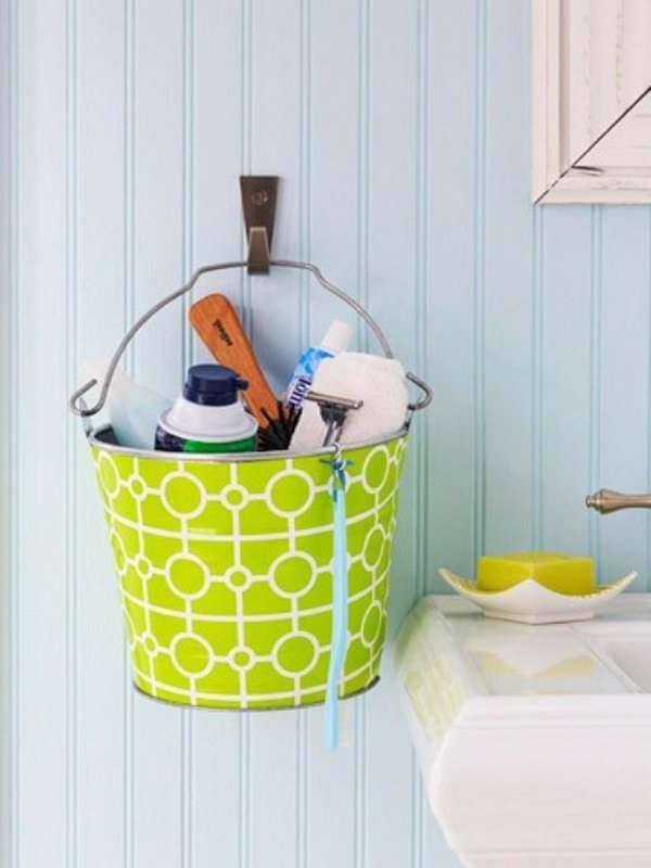16 astuces gain de place pour petite salle de bain guide astuces. Black Bedroom Furniture Sets. Home Design Ideas
