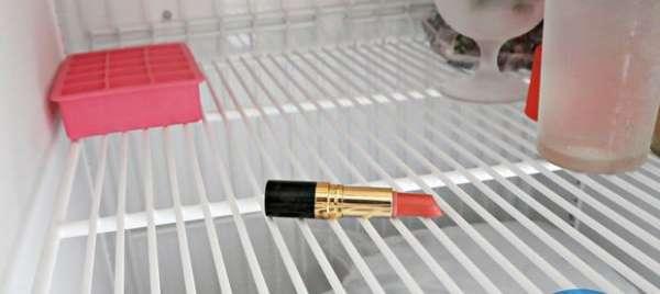 Désinfecter votre rouge à lèvres
