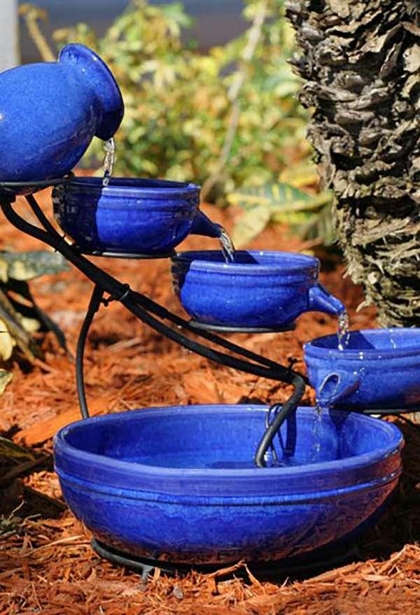 Fontaine et bain d'oiseaux plutôt originaux